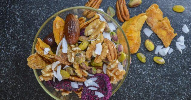 Snack: Nødder og tørret frugt