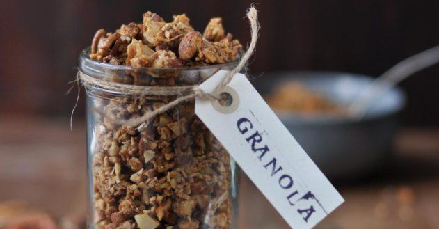 Granola til jul – sød og knasende