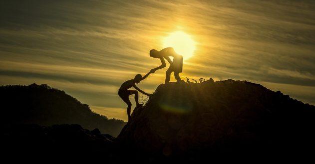 Vi må først hjælpe os selv, før vi kan hjælpe andre